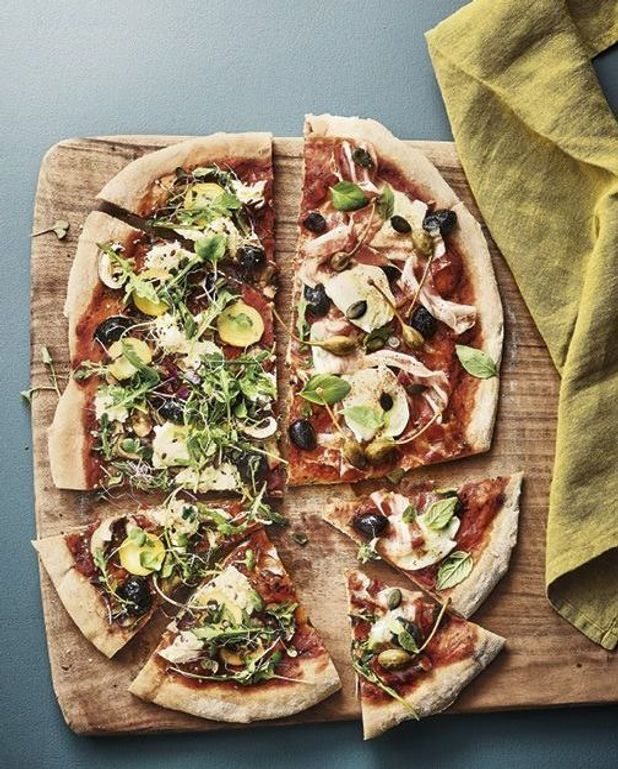 Pizza géante en deux façons