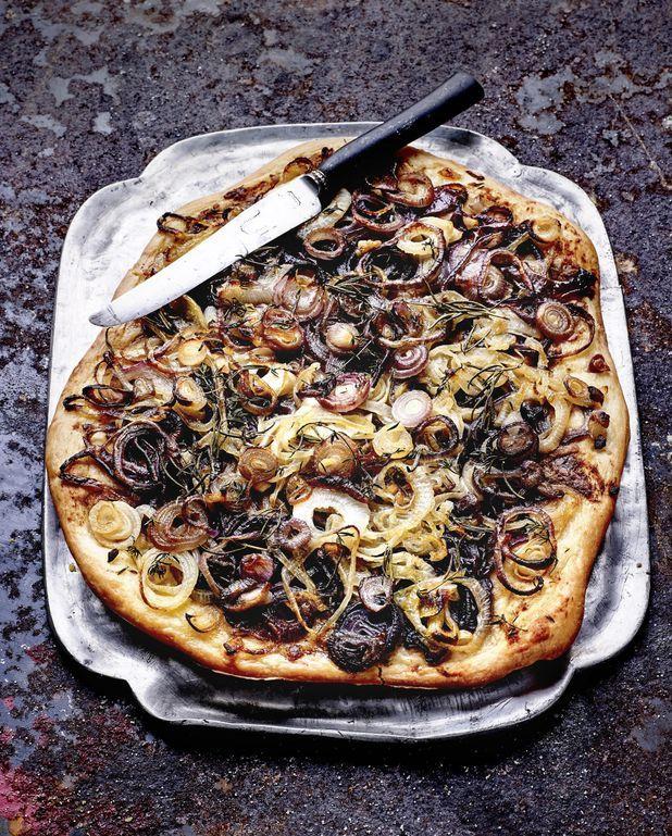 Pizza/ pissaladière aux oignons