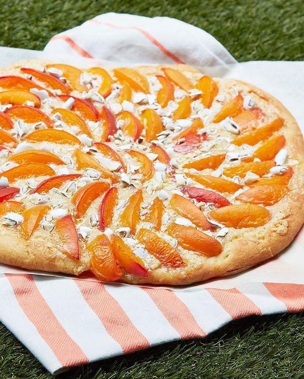 Pizza sucrée abricot-dragées de Christophe Michalak