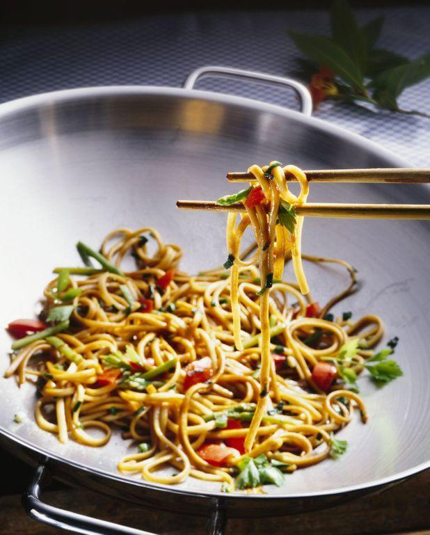 Poêlé de nouilles chinoise à la sauce de soja