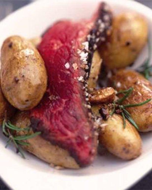 Poire grillée au sel, pommes de terre rissolées au romarin