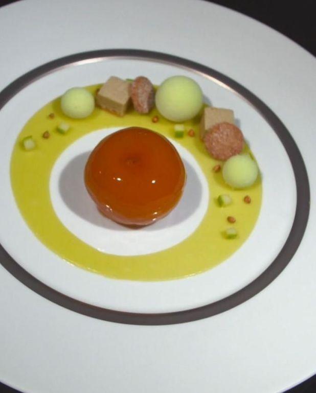 Pomme pochée caramélisée de Claire Heitzler
