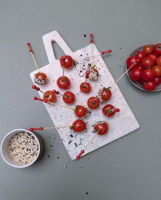 Tomates cerises au sésame façon pomme d'amour