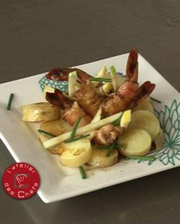 Pommes grenaille et pommes fruit in salada, crevettes