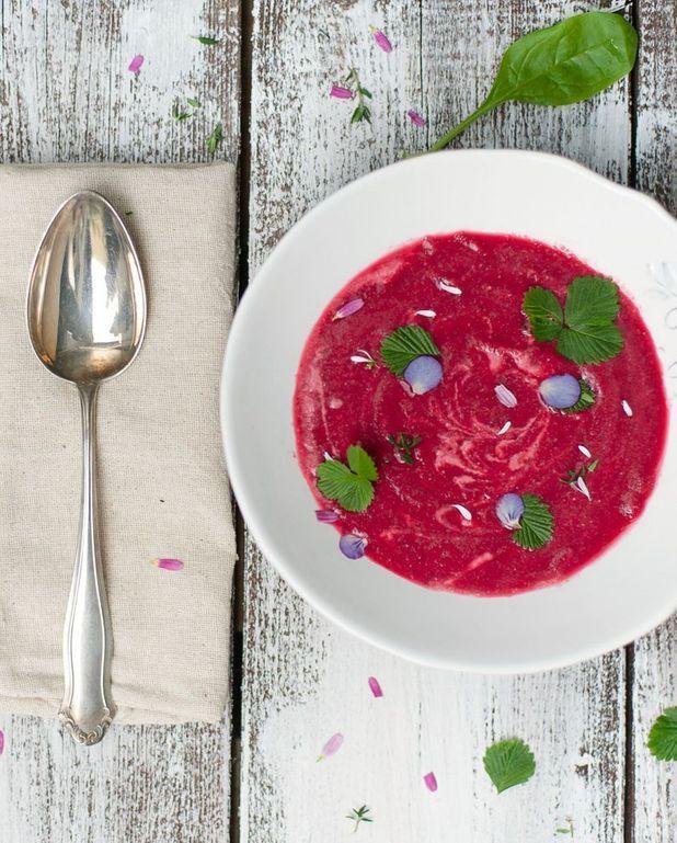 Pudding de graines de chia, coulis de fraise-basilic