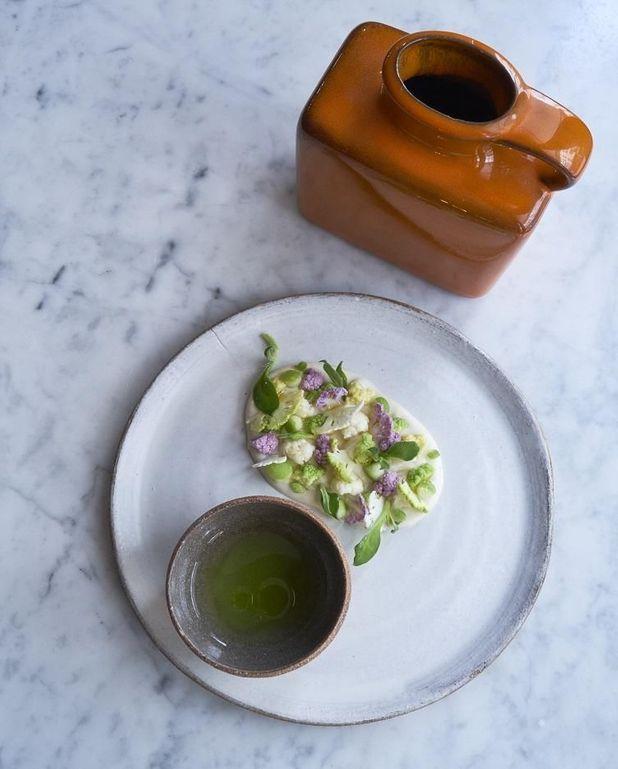 Purée de chou-fleur et soupe de pomme verte