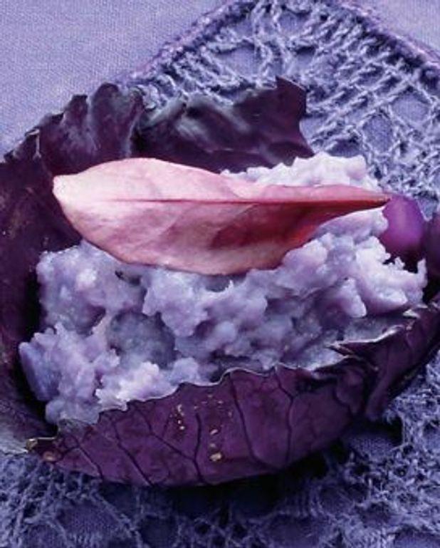 Purée de pommes de terres violettes au beurre fumé