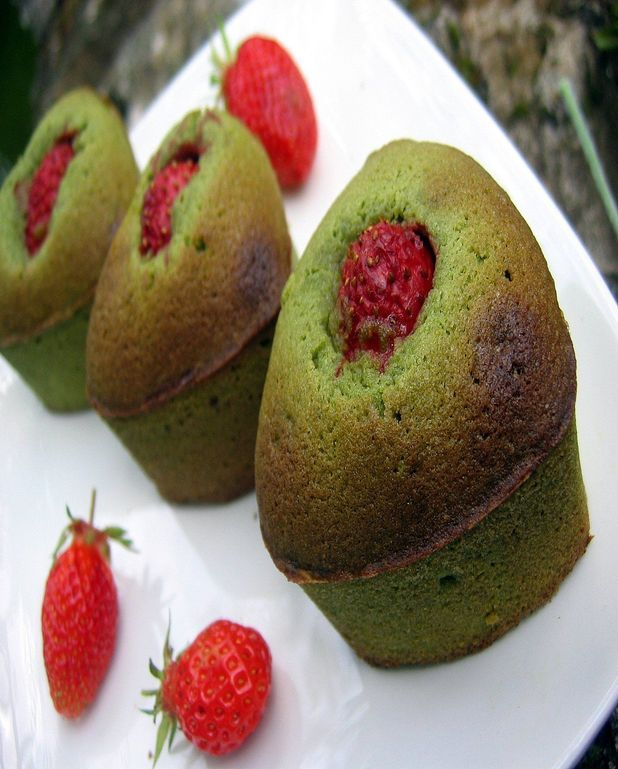 Quatre-coeurs aux thé matcha et fraises