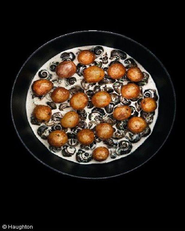 Ragoût de pommes de terre  et escargots