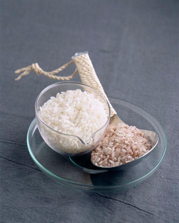 Riz gluant et feuilles caramel
