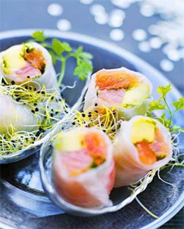 Rouleaux de saumon, avocat et pamplemousse