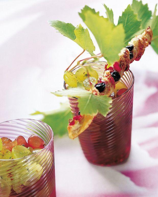 Sacristains aux raisins frais et aux pralines roses