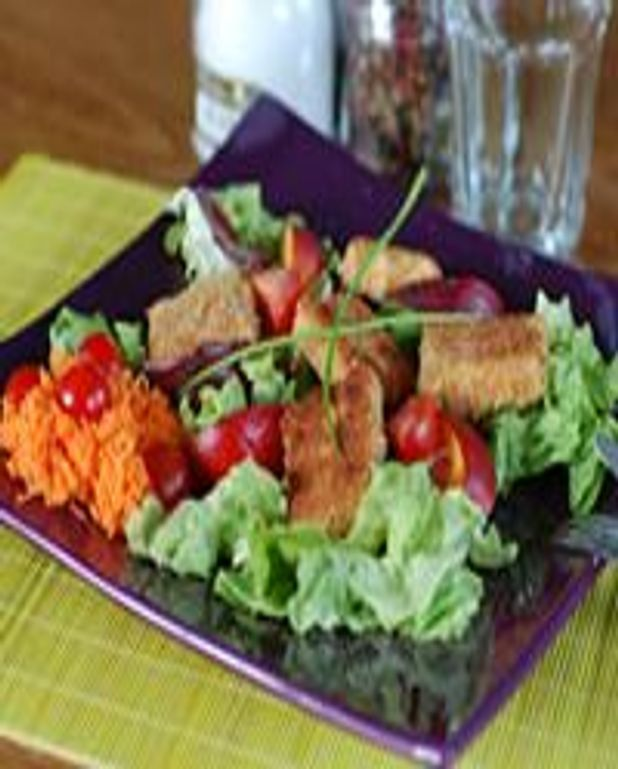 Salade composée chèvre, magret et nectarine