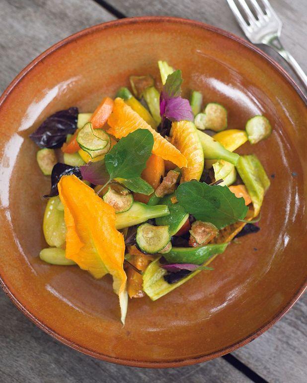 Salade courgettes, abricots et fleurs de courgette