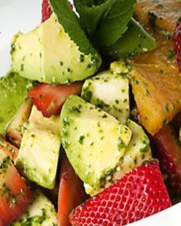 Salade d'avocat aux fruits et bocconcini