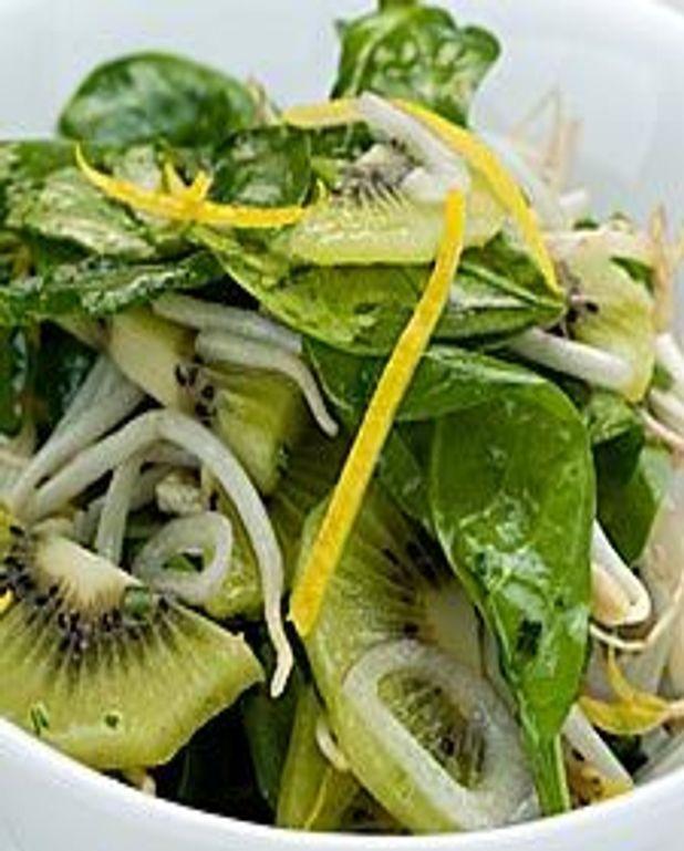 Salade d'épinards aux kiwis