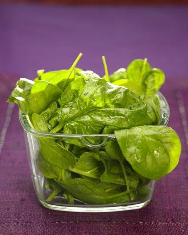 Salade d'épinards croustillants