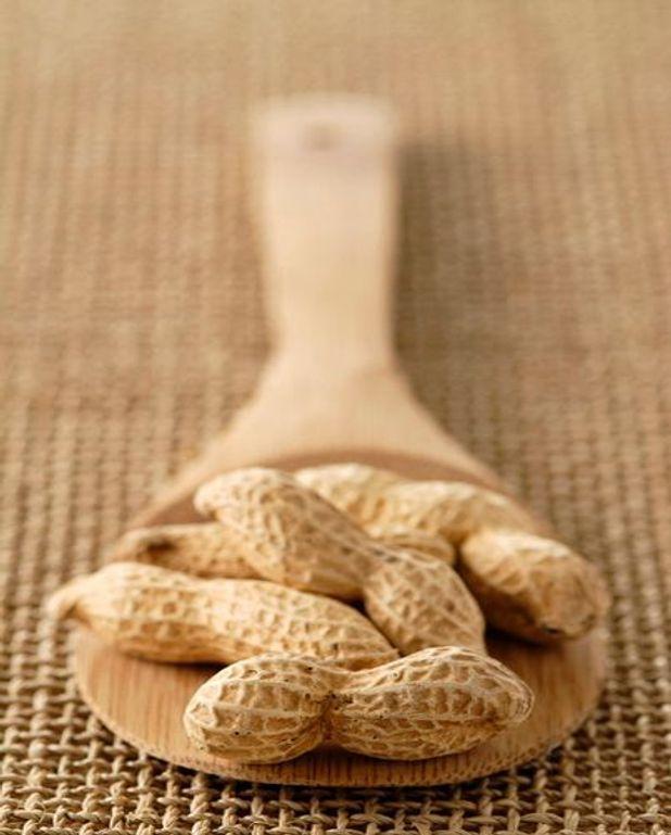 Epinards d'eau frits aux cacahuètes