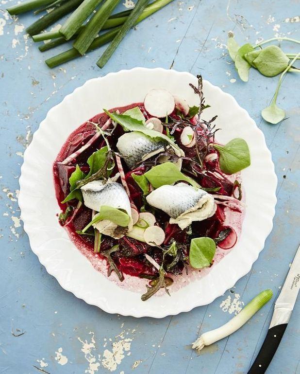 Salade de betterave, hareng, radis, miso