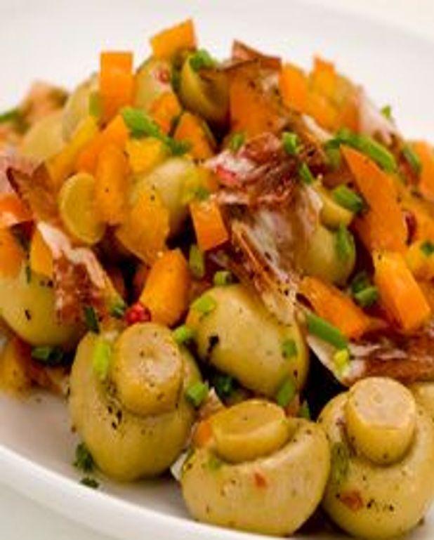 Salade de champignons marinés au prosciutto