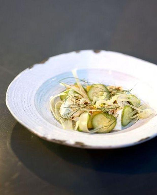 Salade de feta aux pêches et au fenouil