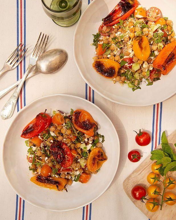 Salade de pois chiches, poivrons, et feta