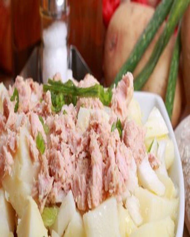 Salade de pommes de terre au thon et à l'échalote