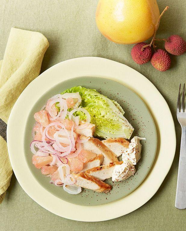Salade de poulet épicé, pamplemousse, litchis