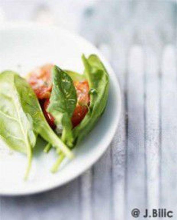 Salade de pousses d'épinards à l'italienne
