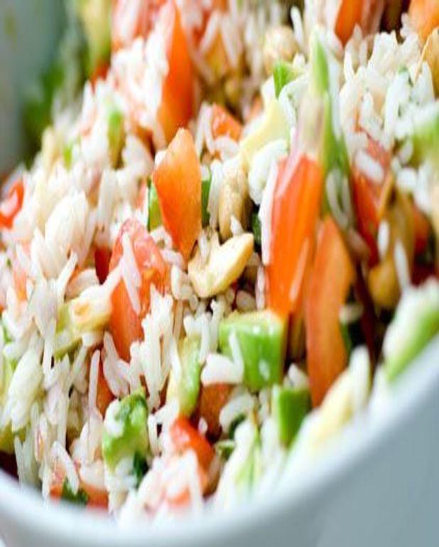 Salade de riz aux cacahuètes