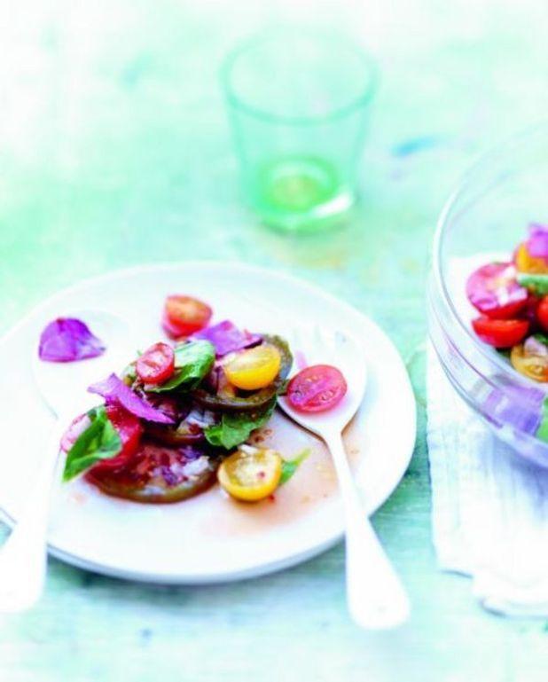 Salade de tomates et fleurs