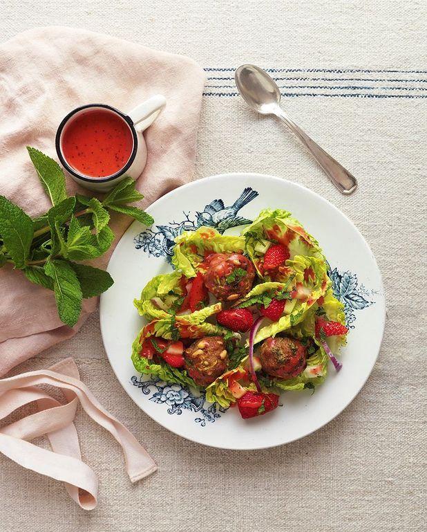 Salade fraises et boulettes de veau