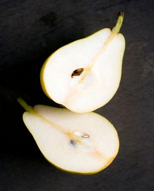 Salade mélangée aux poires et fourme d'Ambert