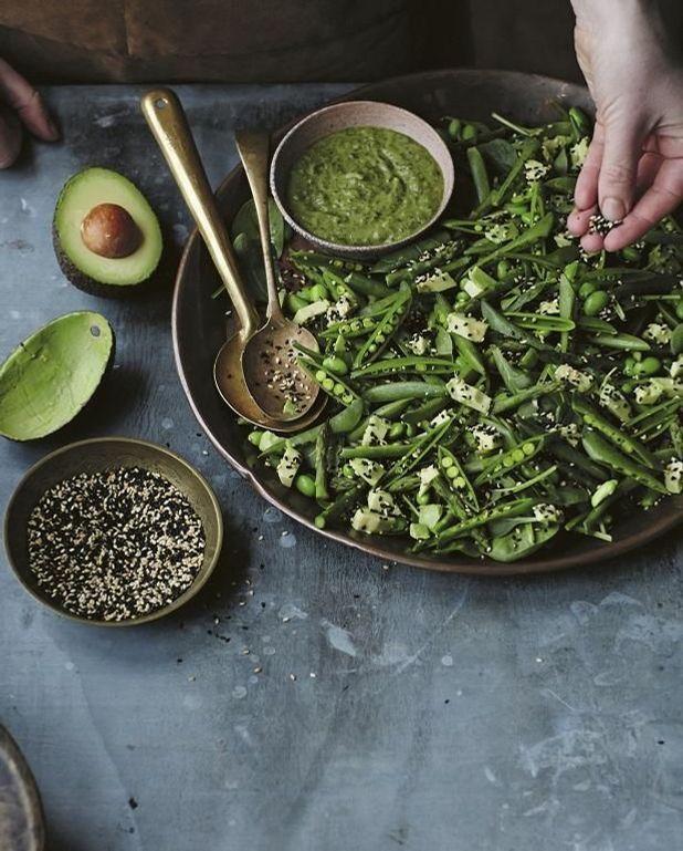 Salade pois gourmands, edamames, et asperges vertes