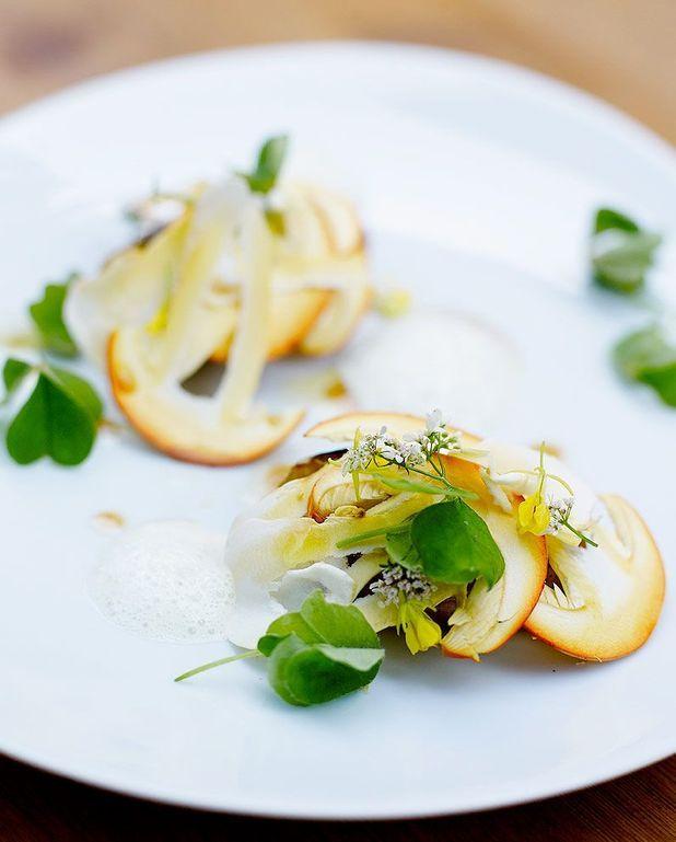 Salade tiède, pommes de terre, beurre d'anchois, champignons