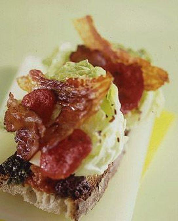 sandwich BLT  (Bacon-Lettuce-Tomato )