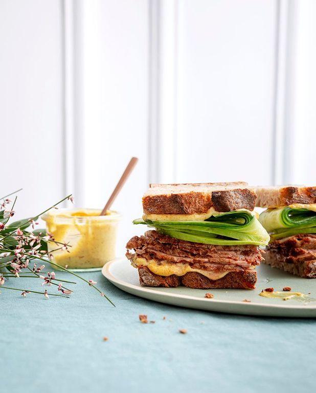 Sandwich club décadent au pastrami de veau