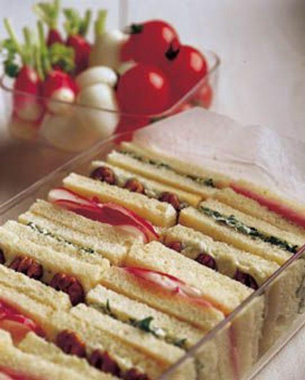 Sandwichs au tarama, au roquefort et au cresson
