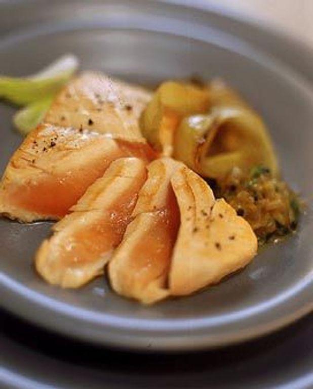 Saumon tiède chaud, marmelade d'endives