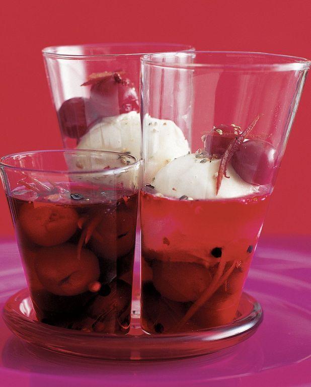 Soupe de cerises, crème glacée aux poivres