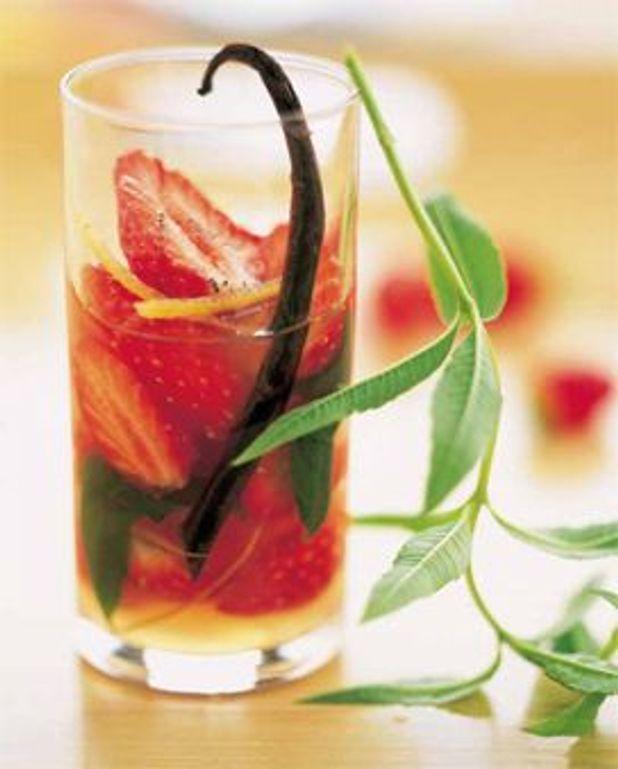 Soupe de fraises à la verveine-citronnelle