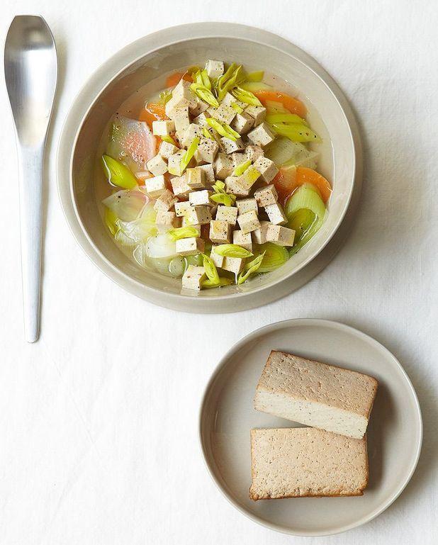 Soupe de légumes au tofu fumé