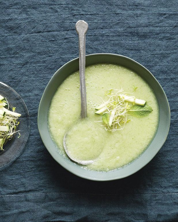 Soupe froide originale concombre, pommes et wasabi