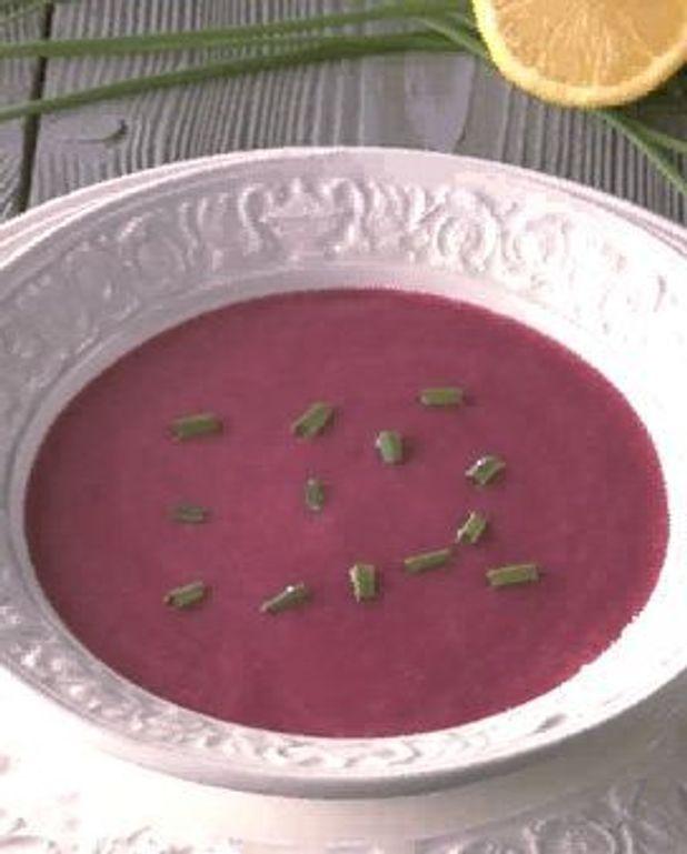 Soupe glacée à la betterave