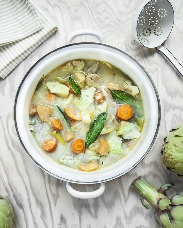 Soupe poulet au pot aux artichauts