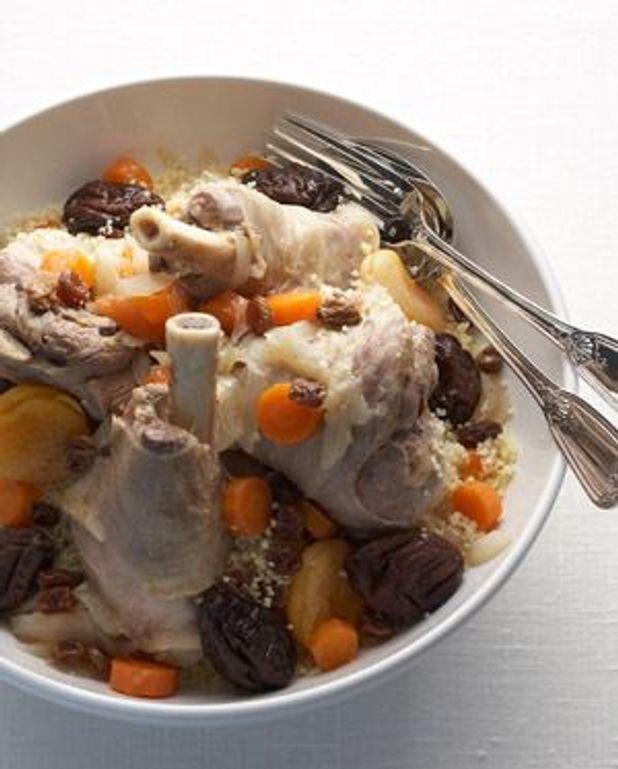 Souris d'agneau, semoule et fruits secs