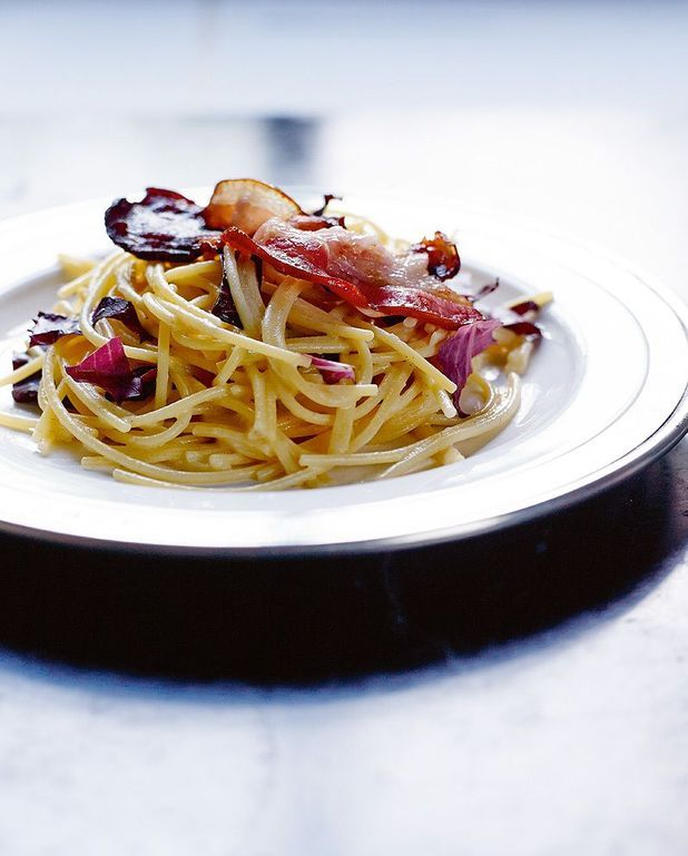 Spaghetti sans gluten un peu carbonara et trévise braisée