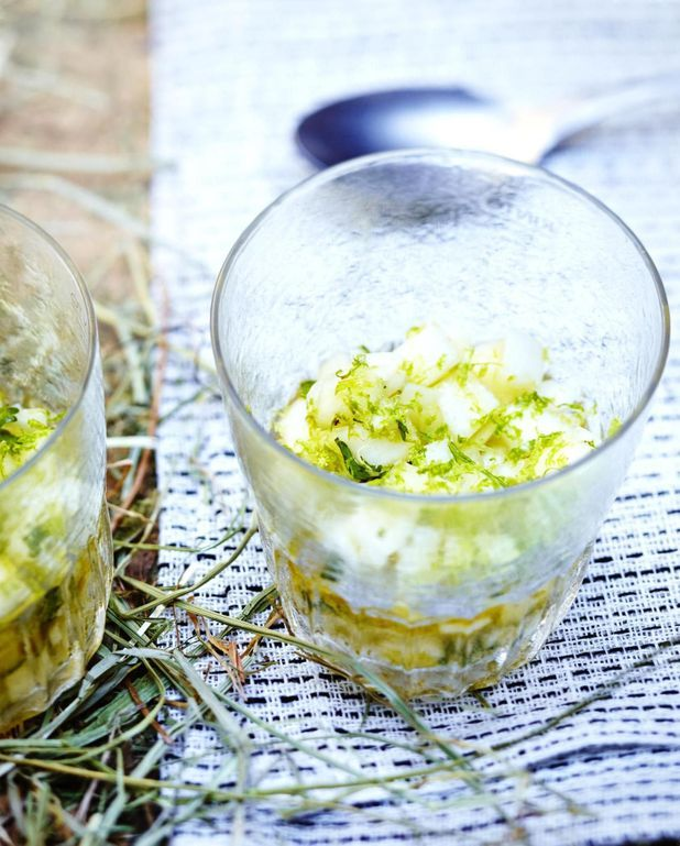 Tartare aux poires, oignons nouveaux et citron vert