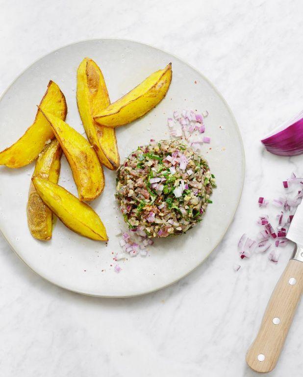 Tartare de boeuf au couteau et wedges de pommes de terre