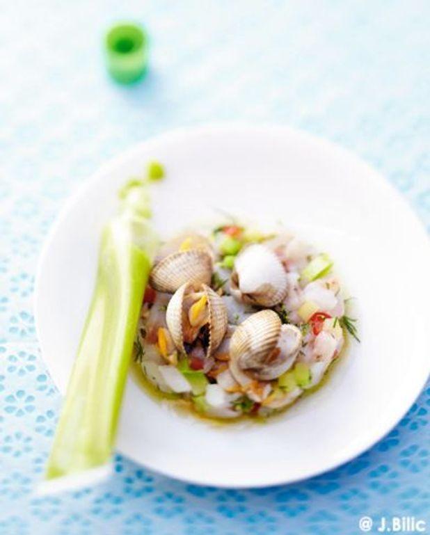 Tartare de poisson à l'avocat jus de coques et wasabi